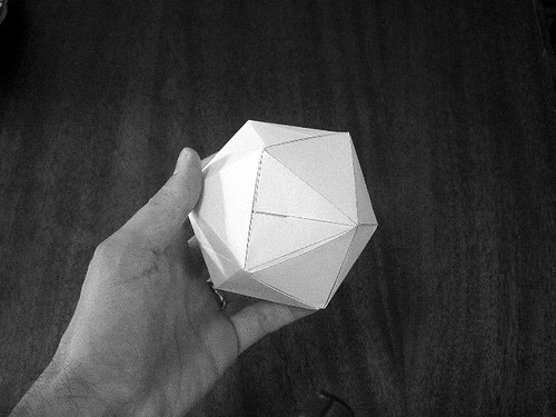 Icosahedral Twist Box