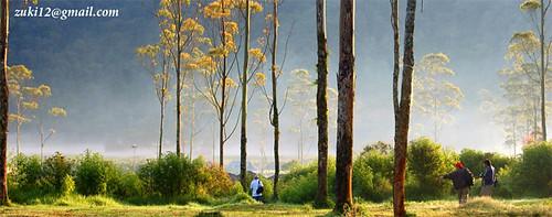 Fotografer di perkemahan Bambu Apus