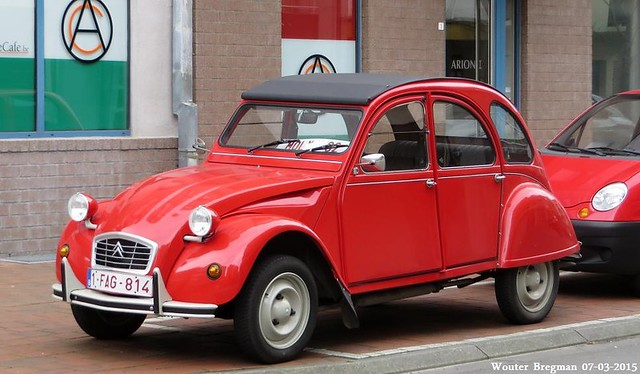 VW Beetle Vs Mini Citroen 2CV Fiat 500 Isetta