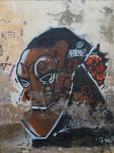Grafiti en casa vieja