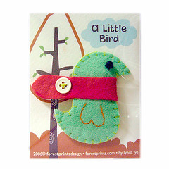 A Little Bird Pin Brooch