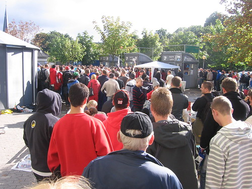 The waiting line to get a ticket for FCK - Manchester United game