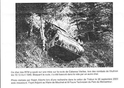 Authion 1945 - char RFM poussé dans le ravin à  cabane vieilles