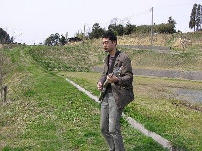 20060322 大山千枚田 ギターを掻き鳴らす俺