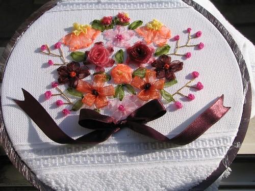 kurdele nakışlı çiçek buketi havlu