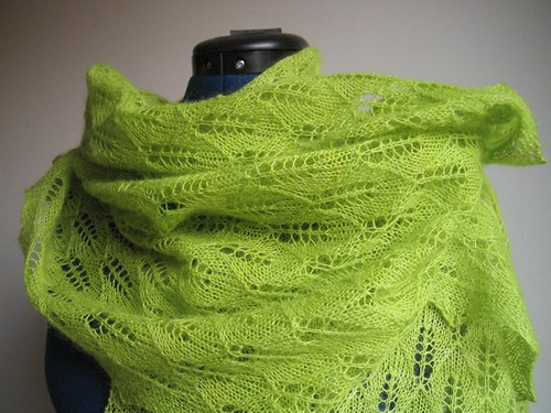 green leaves shawl doll
