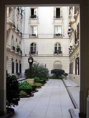 Palacio de los Patos courtyard