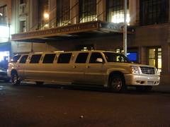加長型休旅車