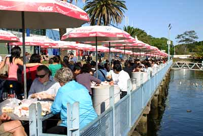 Crowds eating at Sydney Fish Market