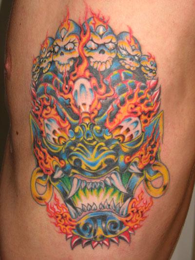 Podem falar, uma das tattoos mais afús que vocês já viram, é ou não é?