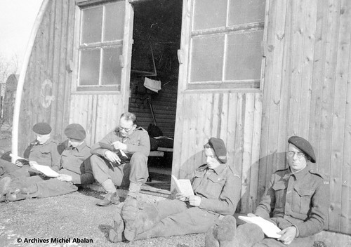 1941- Angleterre- Old Dean Camp - Michel Abalan à droite - Famille Abalan
