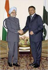 Manmohan-Musharraf-NY-25-10-2004