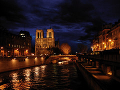 Notre Dame and the Seine photo by Mr. Physics