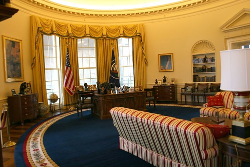 14_Oval Office