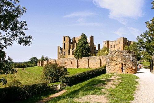 Kenilworth Castle (by Stevekin)
