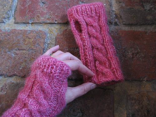 pink wristwarmers2
