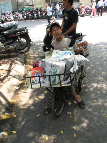 Cuong- Newspaper seller