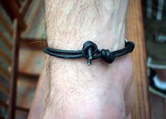 Skull bracelet closure