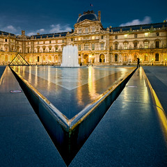 Le Louvre, un soir. photo by Zed The Dragon