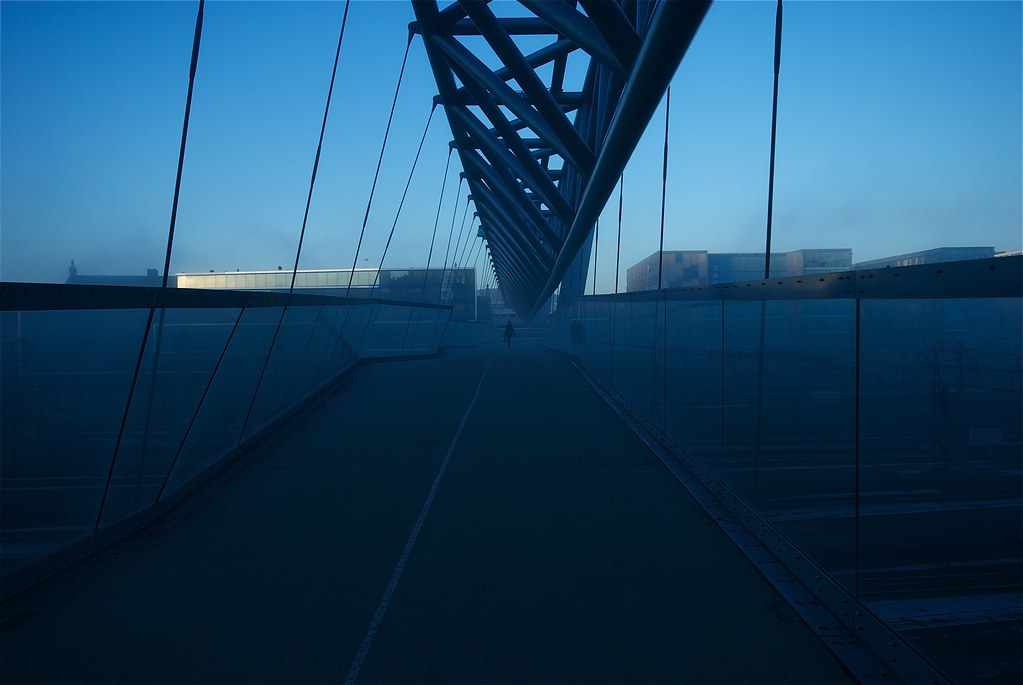 blue fog photo by geirt.com