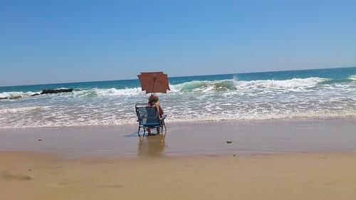 A Falta de Playa Para Leer... En el Agua!!!