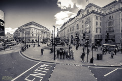 Picadilly circle...(Explored) photo by .Markus Landsmann - markuslandsmann.zennfolio.com