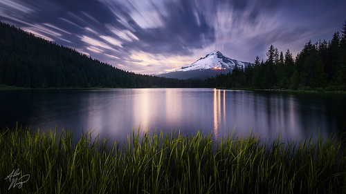 Summer Dusk photo by Alex Noriega.