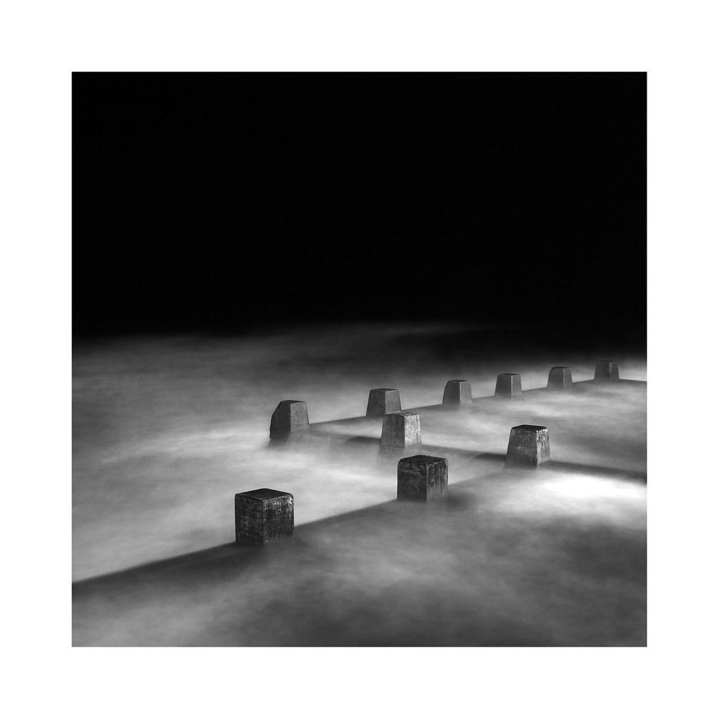 Ross Jones Memorial Pool photo by Monochrome Visions