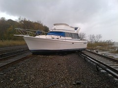 Boat On the Tracks near MNR's Ossining Station photo by MTAPhotos