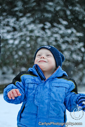Kyton playing in the snow-15.jpg