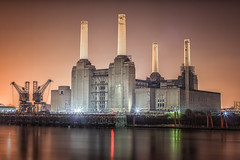 Battersea Power Station photo by Darren Pettit
