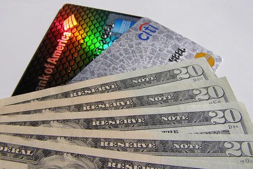 持つべきクレジットカードの枚数は2枚から3枚。その枚数がベストだと言える理由とは? 4番目の画像