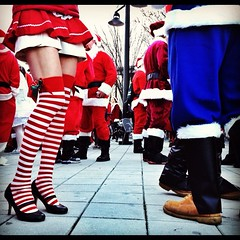 Legs 11. Santacon NYC photo by icstreets