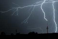 Gewitter / Thunderstorm in Berlin photo by davidcl0nel