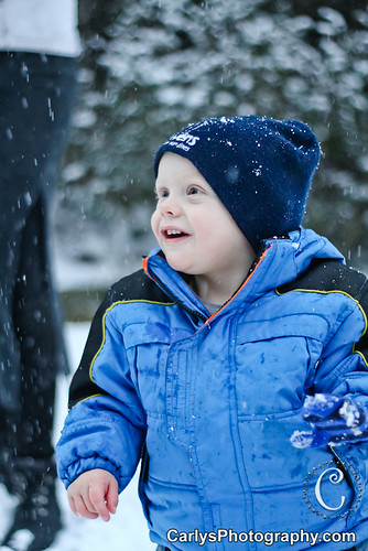 Kyton playing in the snow-14.jpg