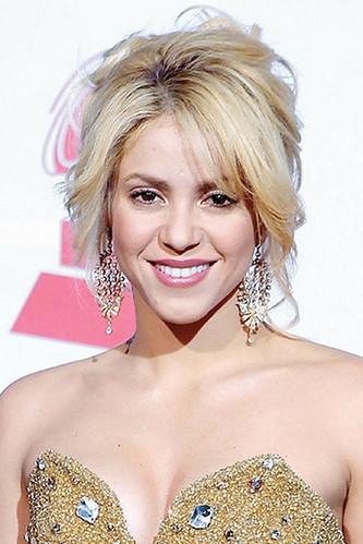 Shakira celebrity hair