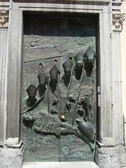 Puerta de la Catedral de San Nicolás