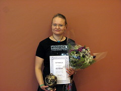 Jenny Kangasvuo with her award