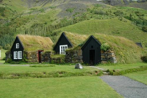 Huts_@_Skogafoss,_Iceland.jpg