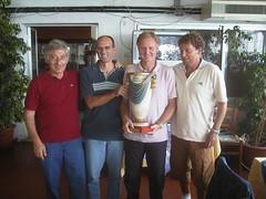La squadra di Rosignano premiata dal presidente del Coni di Carrara, Almo Cacciatore
