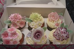 Mother's Day Cupcakes photo by Noo & Moo's Cakes