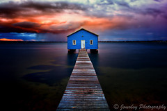 Crawley Boat Shed photo by Jomoboy