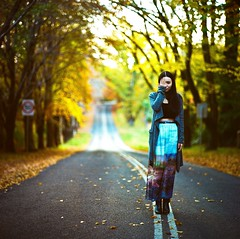 <<Autumn Road>> photo by www.jerrybei.com