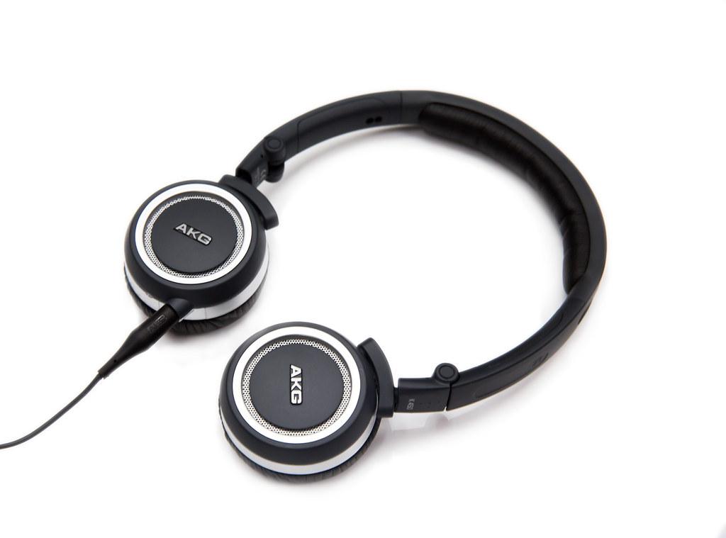輕巧好聲音 – AKG K450 小耳罩耳機 @3C 達人廖阿輝