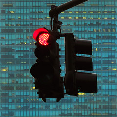 red light photo by fotobananas