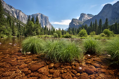Merced River Bed in Yosemite Valley photo by Gavin Hardcastle - Fototripper