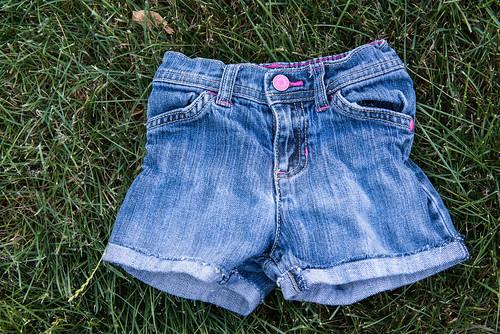 12-06-06_MakingShortsFromJeans10.jpg