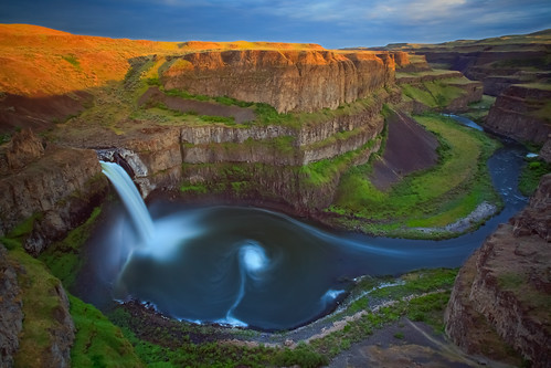 Palouse falls. photo by Joe Dsilva