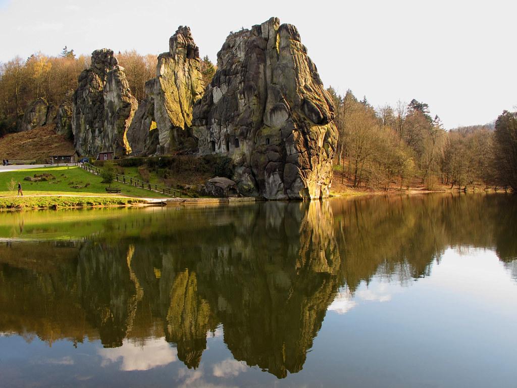 Reflected Rocks photo by Batikart