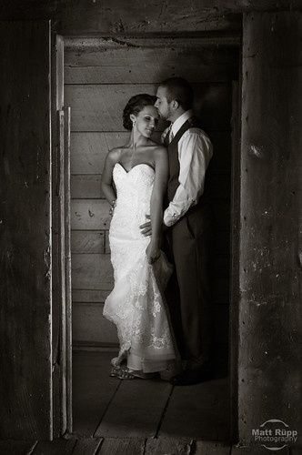 Bride & Groom in Barn photo by Matt Rupp